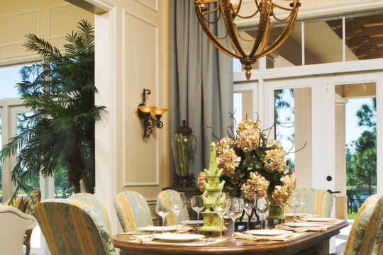 Medalist yellow dining room before Ecclestone Homes