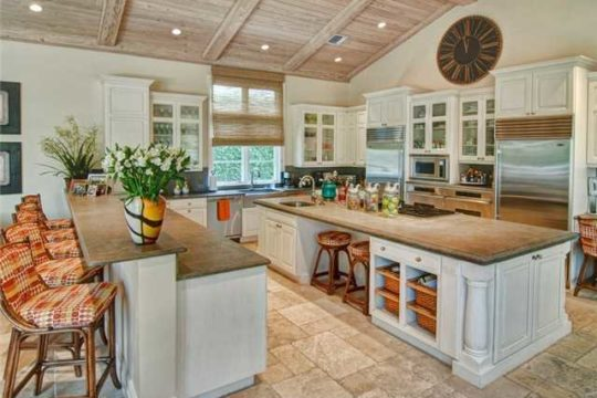 Lost Tree Village with large kitchen island - ecclestone homes