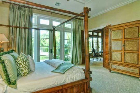Lost Tree Village master bed room before ecclestone renovation