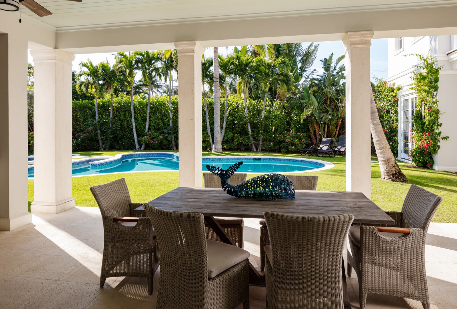 ecclestone-homes-palm-beach-patio-remodel-with-pool-pg09-min